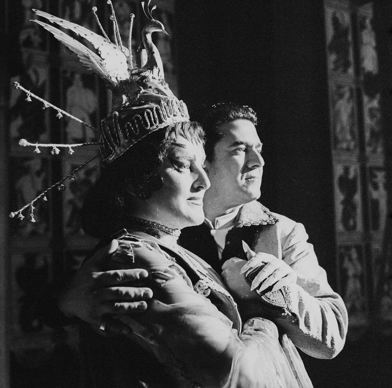 Birgit Nilsson and Giusepe di Stefano in Puccini's 'Turandot' at Vienna State Opera in 1961.