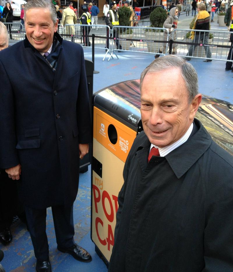 Mayor Bloomberg and Alcoa Chairman and CEO Klaus Kleinfeld in Times Square for an unveiling of 30 BigBelly solar-powered trash and recycling bins