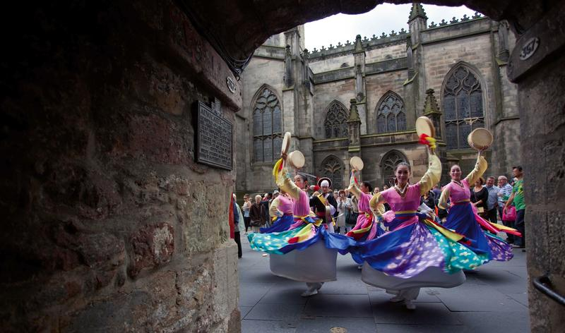 Scottland's 2012 Edinburgh Festivals.