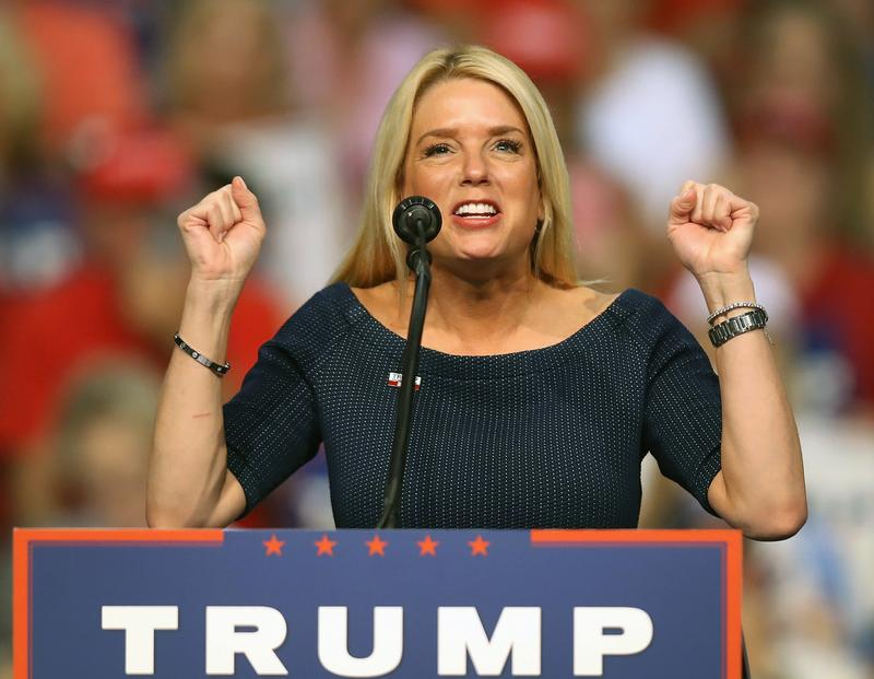 Florida Attorney General Pam Bondi speaks before the arrival of Republican presidential nominee Donald Trump during his campaign event at the Ocean Center Convention Center on August 3, 2016.