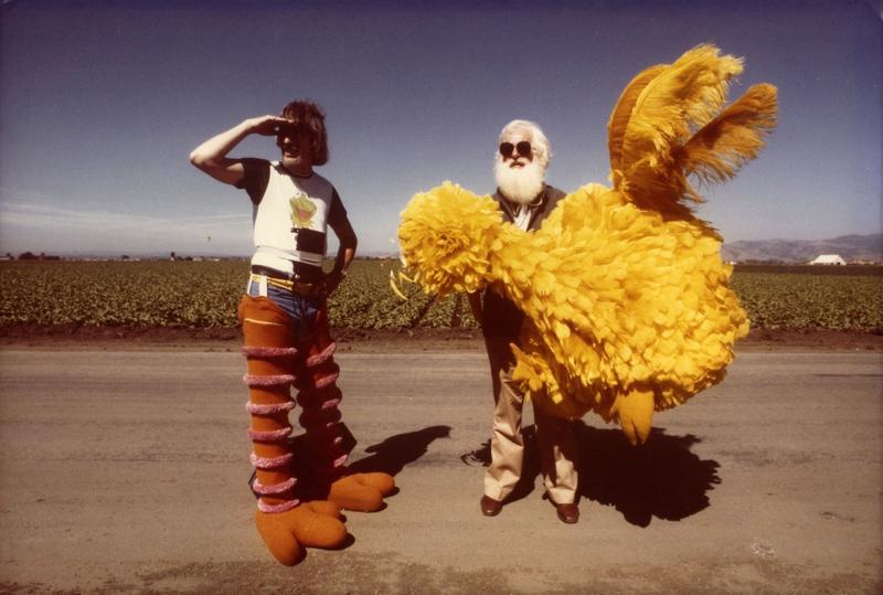Caroll Spinney (left) on set with Kermit Love in 1978.