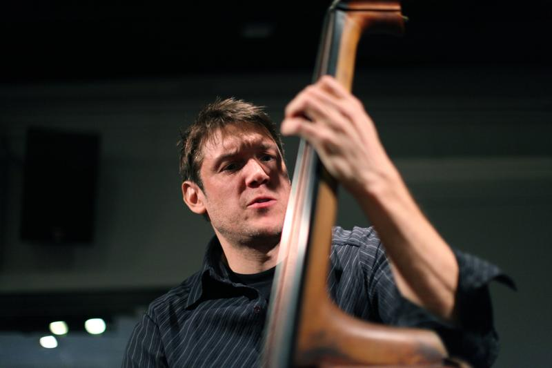 Bassist Ben Allison performs in the Soundcheck studio