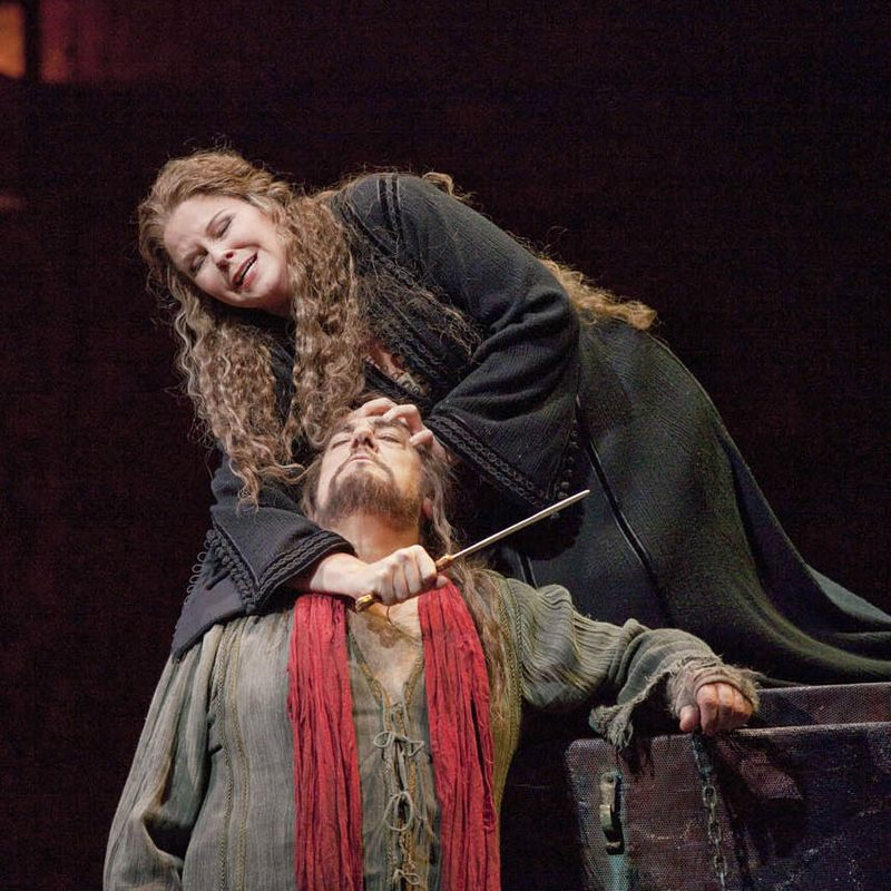 Susan Graham and Placido Domingo in a scene from Gluck's Iphigénie en Tauride