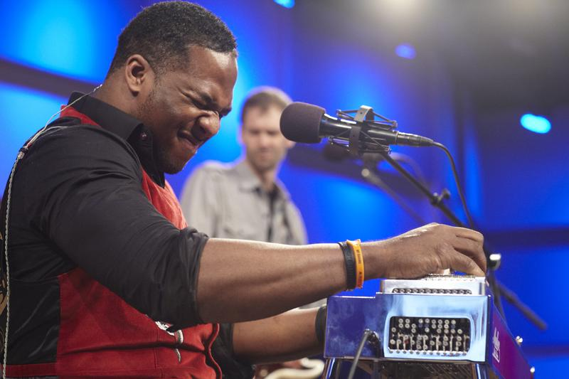 Robert Randolph and the Family Band perform live on Soundcheck at WNYC's Greene Space.