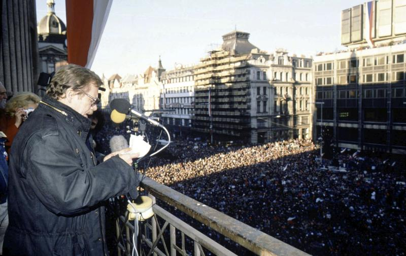 Vaclav Havel addresses a pro-democratic rally In Wenceslas Square in Prague on December 10, 1989