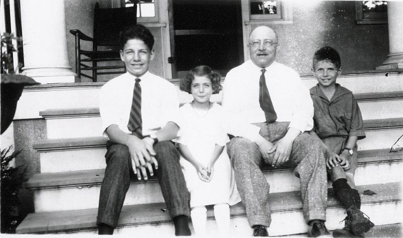Victor Harrison-Berlitz with his son Leander, daughter Phyllis and son, Robert on the steps of his house in Asbury Park, New Jersey in 1922.