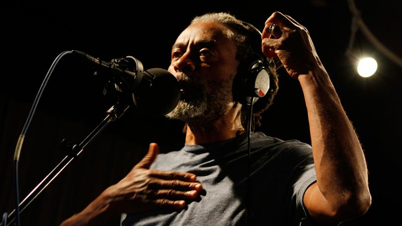 Bobby McFerrin performs in the Soundcheck studio.