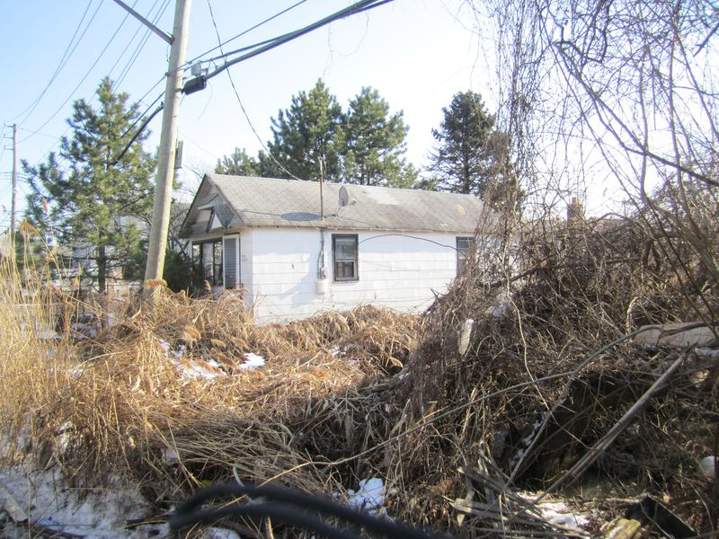 A house in Midland Beach, Staten Island. The house will not be eligible for state buyouts, but indivdiual homes may qualify under another program.