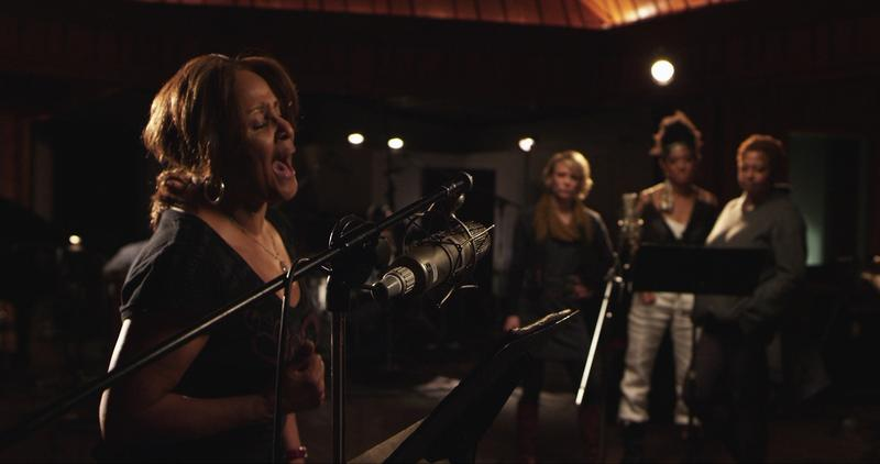 Darlene Love sings in the studio in '20 Feet From Stardom'