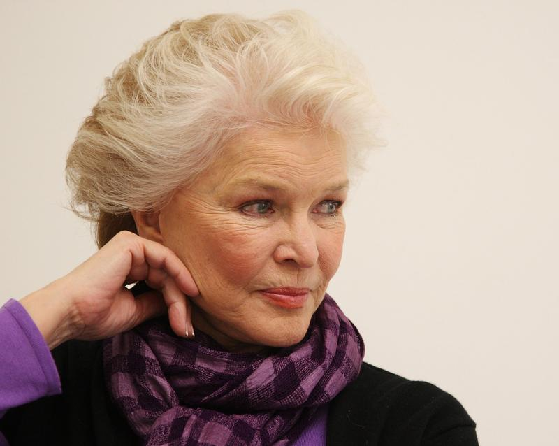 ellen burstyn height