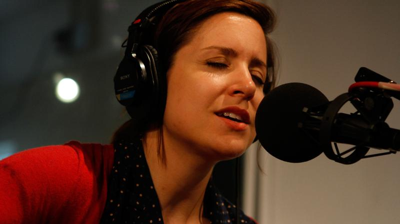 Laura Stevenson performs in the Soundcheck studio.