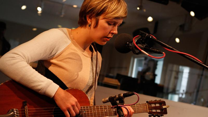 Nataly Dawn performs in the Soundcheck studio.