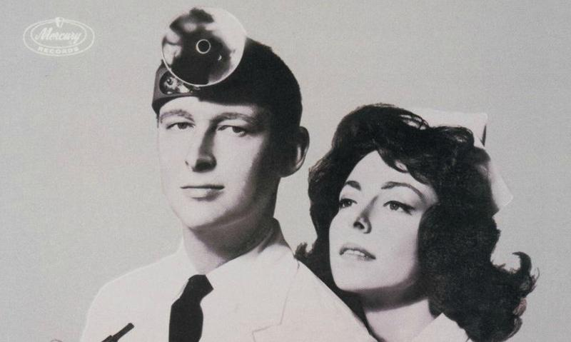 Mike Nichols with Elaine May on the 1962 comedy album <em>Mike Nichols and Elaine May Examine Doctors</em>