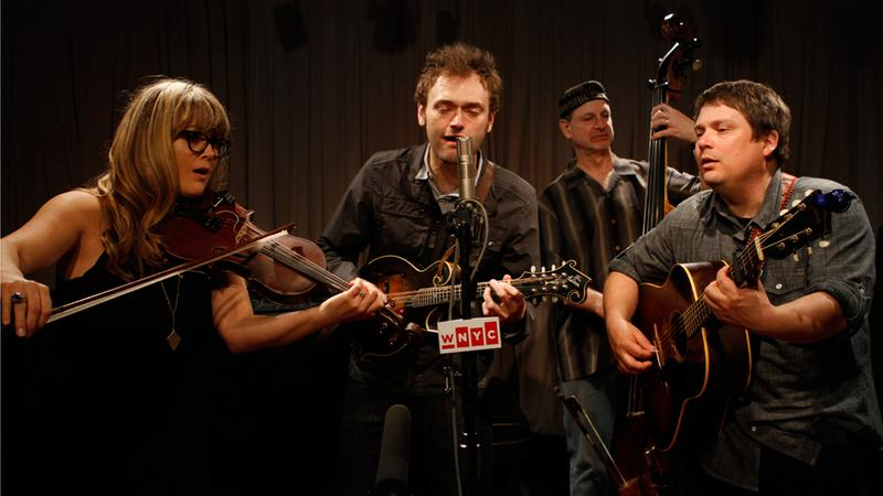 Nickel Creek performs in the Soundcheck studio.