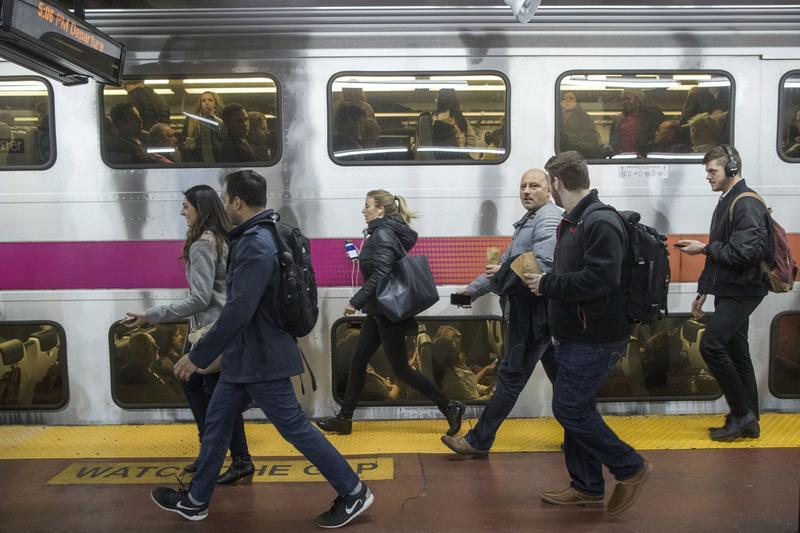 Regular service resumes after NJ Transit train derailment