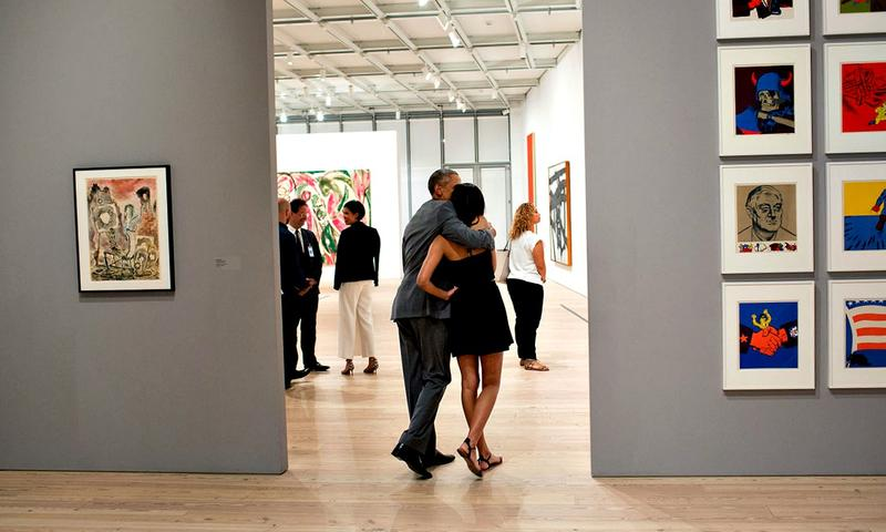 President Obama with his daughter Malia at the Whitney Museum in 2015