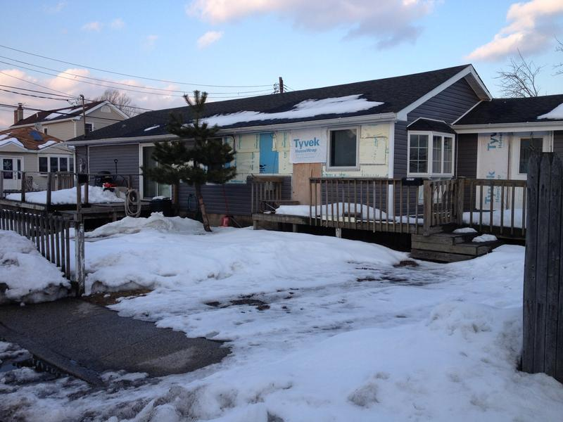 Owners of thousands of Sandy-damaged homes in the New York area are still waiting for help.