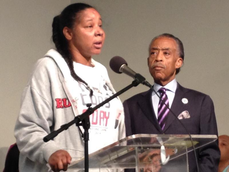 Esaw Garner with Reverend Al Sharpton.