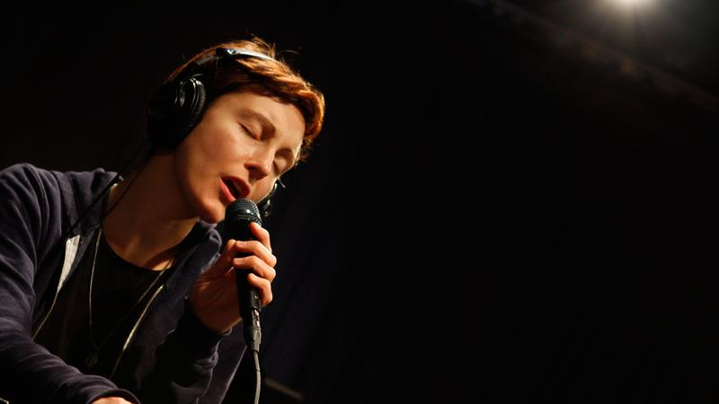 Polica performs in the Soundcheck studio.