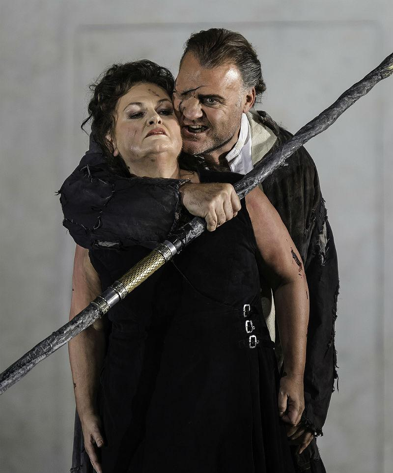 Bryn Terfel as Wotan and Susan Bullock as Brünnhilde in Die Walkure