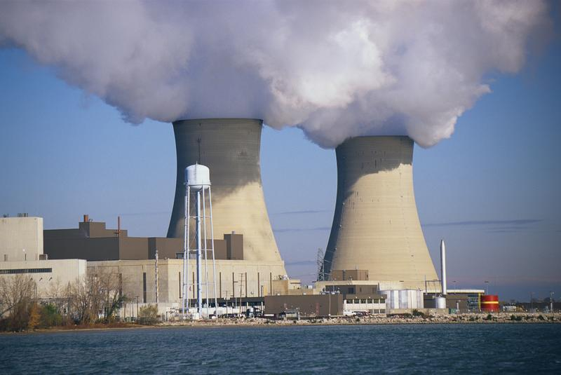 Two nuclear power plants situated on Lake Erie, 1998.