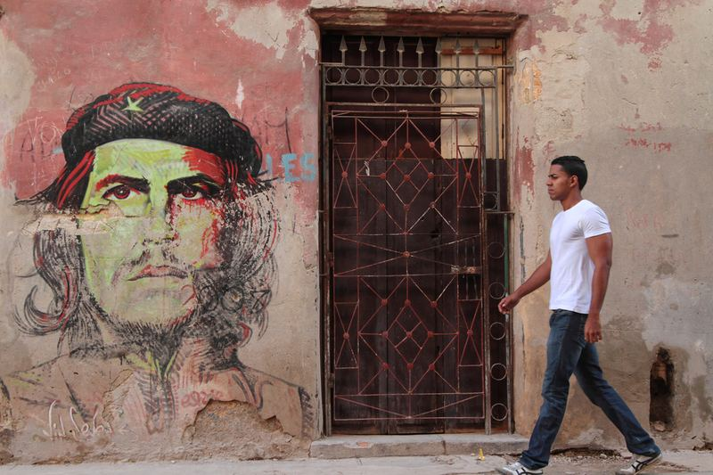 HAVANA, CUBA, FEBRUARY 15, 2014 : Appearances of Argentine Marxist revolutionary Che Guevara in popular culture are common. Here on the walls of Havana.