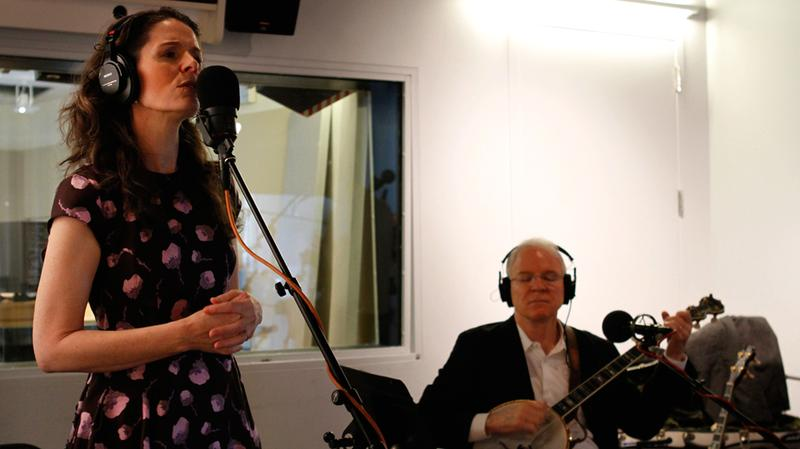 Edie Brickell and Steve Martin perform in the Soundcheck studio.