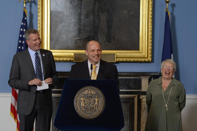 Mayor Bill de Blasio, UFT President Michael Mulgrew and Schools Chancellor Carmen Farina announce a preliminary 9-year contract on May 1, 2014.