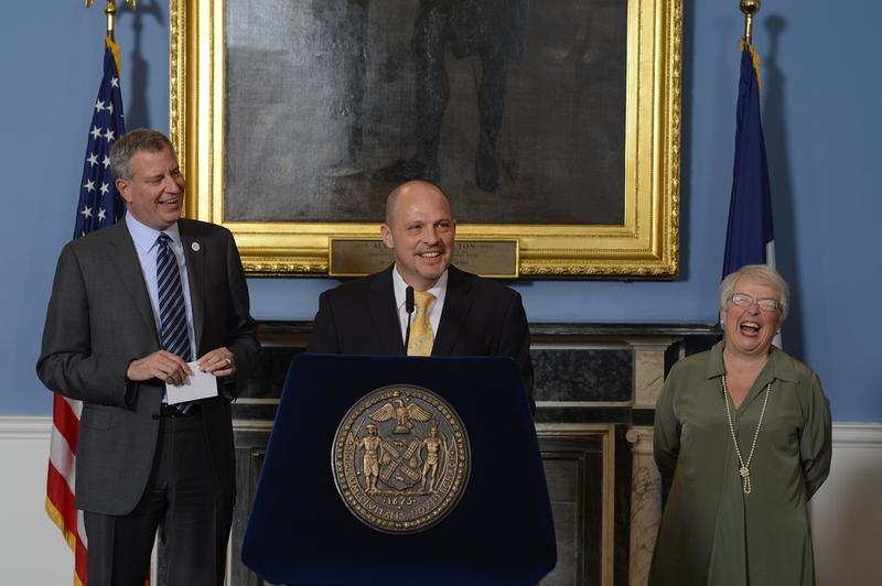 Mayor Bill de Blasio, UFT President Michael Mulgrew and Schools Chancellor Carmen Farina announce a preliminary 9-year contract on May 1, 2014.
