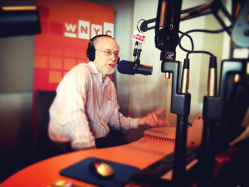 Legendary sports writer George Vecsey in the WNYC studios.