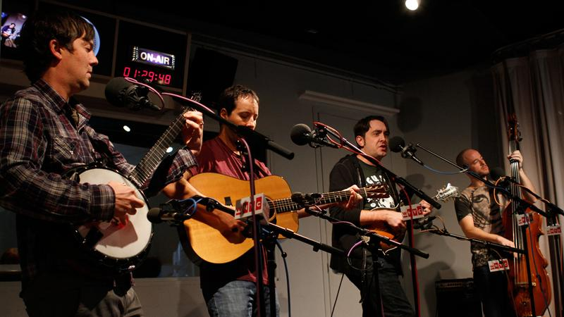 Yonder Mountain String Band performs in the Soundcheck studio.