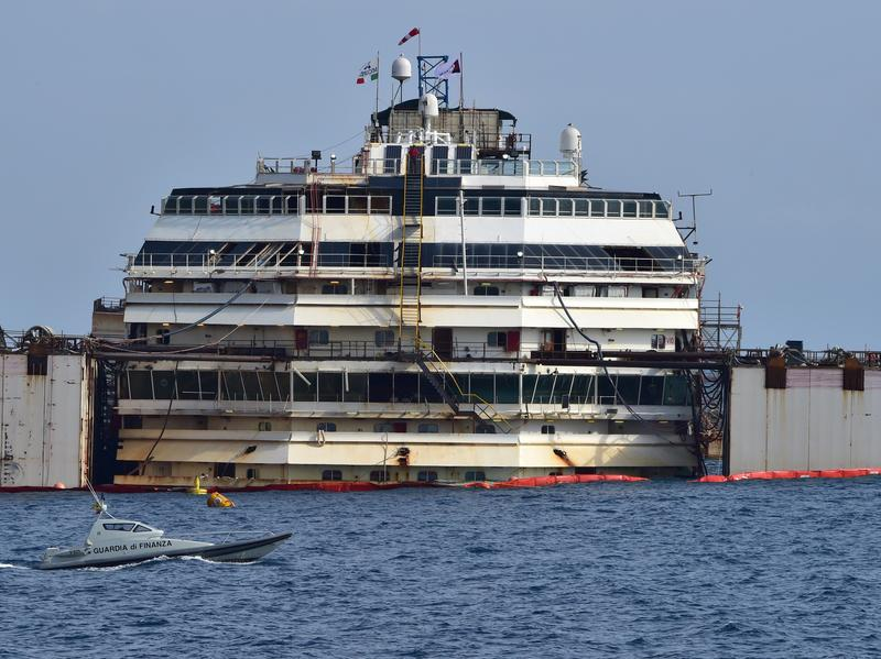 The process of refloating the Costa Concordia cruise ship started off Italy's Giglio Island on Tuesday.
