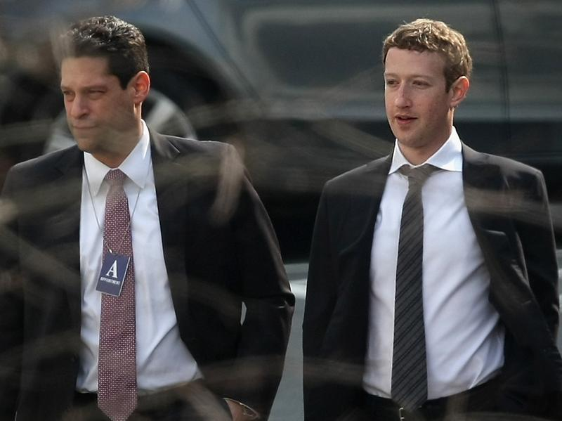 Facebook CEO Mark Zuckerberg (right) and Facebook lobbyist Joel Kramer are part of the Internet Association, which filed comments in support of net neutrality Monday.