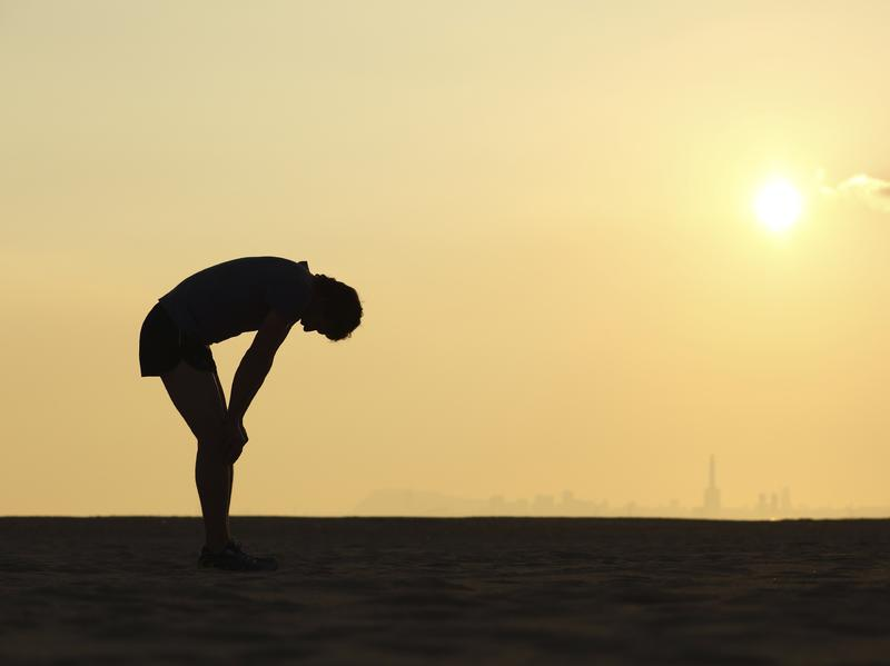 Some marathons are warning runners when conditions increase the risk of heat stroke.