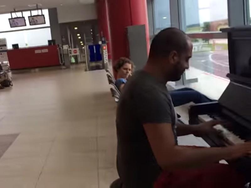 Maan Hamadeh, a musician from Lebanon, put on an impromptu concert in a Prague airport after spotting a piano.