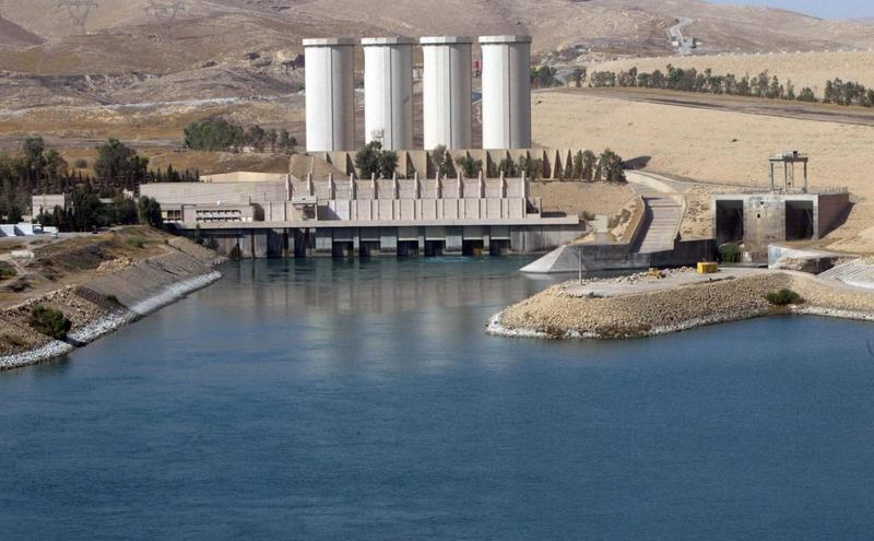 A general view shows the Mosul dam on the Tigris River around 50 kilometres north of the northern Iraqi city of Mosul, October 31, 2007. Iraqi and Kurdish forces claim they have retaken the dam from the  Islamic State. (Ahmad Al-Rubaye/AFP/Getty Images)