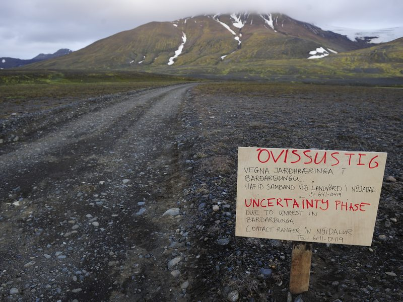 A warning sign blocks the road to Bardarbunga volcano, some 12 miles away, in the northwest region of Iceland's Vatnajokull glacier, on Tuesday.