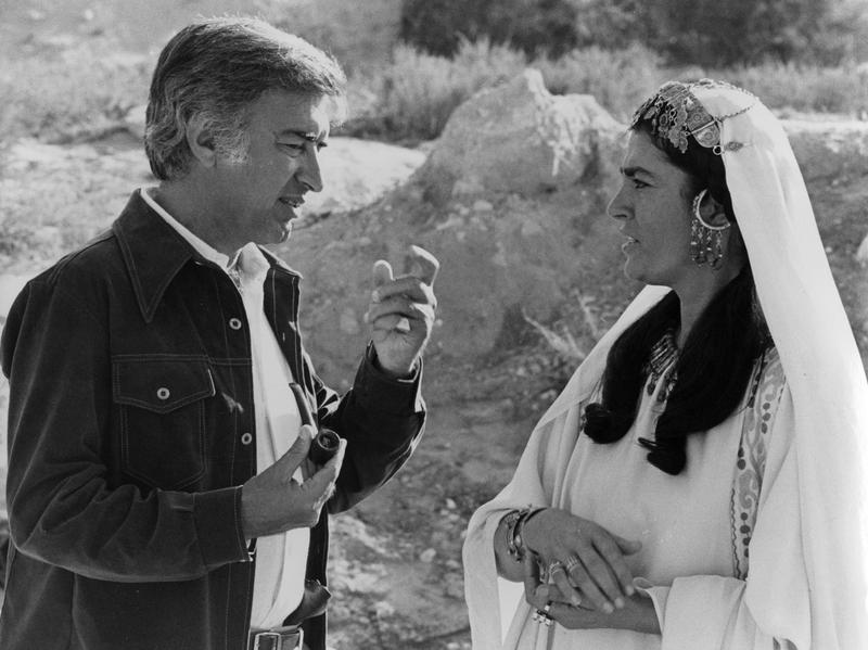 Director Moustapha Akkad (left) with actress Irene Papas during the filming of <em>The Message</em>. The film depicts the life of the Prophet Muhammad.