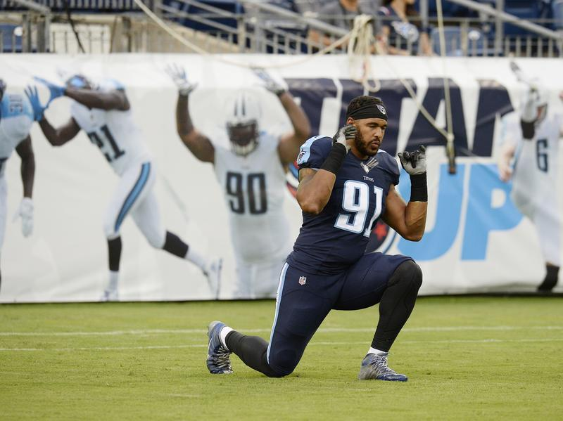 Tennessee Titans outside linebacker Derrick Morgan warms up before the first half of an NFL preseason football game between the Tennessee Titans and the San Diego Chargers, Saturday, Aug. 13, 2016.