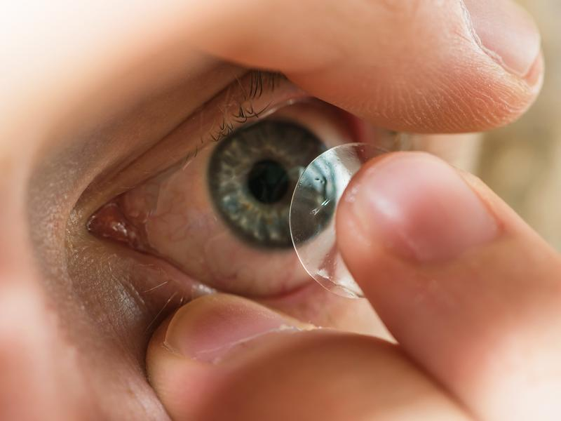 Contact lenses are simple and convenient, but also medical devices.