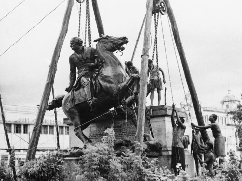 In 1957, the West Bengal government ordered the removal of the bronze statue of Gen. James Outram, a landmark in Calcutta. He was commander of the British forces during the 1857 Indian mutiny.