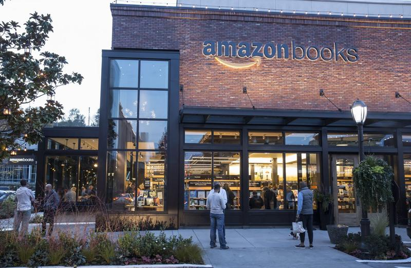 The newly-opened Amazon Books store is pictured on Nov. 4, 2015 in Seattle. (Stephen Brashear/Getty Images)