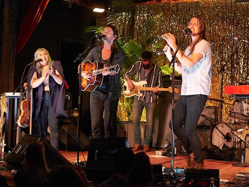 The Head And The Heart performs songs from <em>Signs Of Light</em> live at City Winery in NYC.