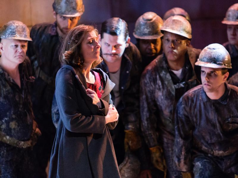 <em>Breaking the Waves</em> explores the relationship between a deeply religious young woman named Bess (played by Keira Duffy) and a Nordic oil worker named Jan.