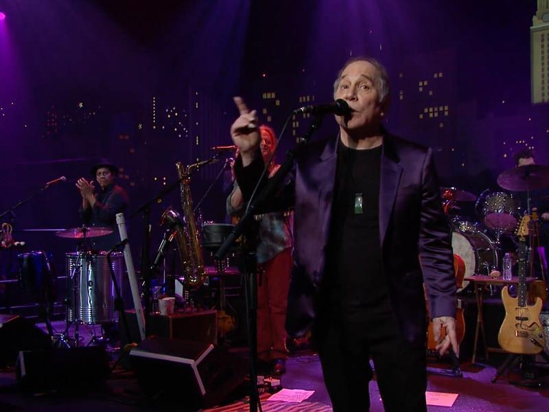 Paul Simon performing at Austin City Limits.