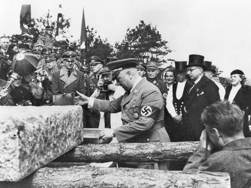 Robert Ley (center), head of the German Labor Front, visits Ruegen in 1936.