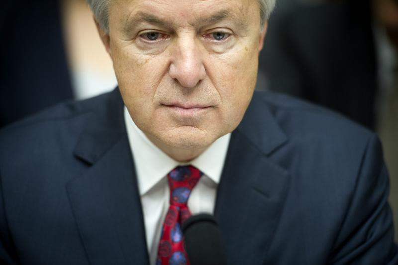 Now former Wells Fargo CEO John Stumpf testifies on Capitol Hill in Washington, before the House Financial Services Committee investigating Wells Fargo's opening of unauthorized customer accounts, on Sept. 29, 2016. (Cliff Owen/AP)