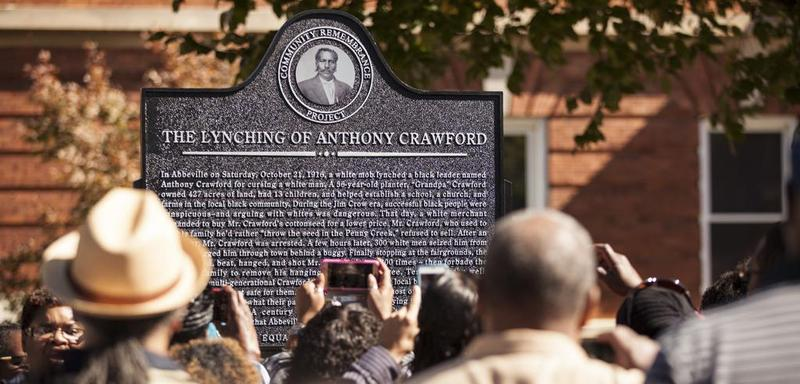 A historical marker commemorating the lynching of Anthony P. Crawford in Abbeville, S.C. The ceremony unveiling the marker was part of Equal Justice Initiative's Community Remembrance Project, a campaign to recognize the victims of lynching. (Courtesy)