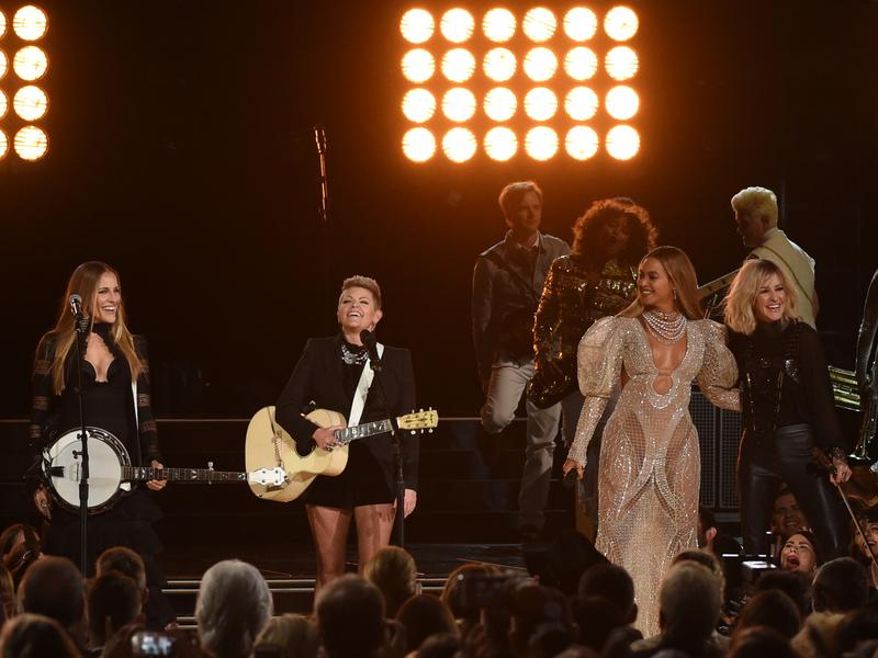 Beyonce performs with Dixie Chicks at the 50th annual CMA Awards.