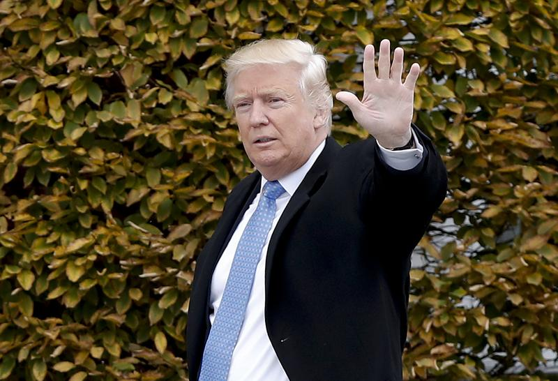 President-elect Donald Trump waves as he arrives at the Trump National Golf Club Bedminster clubhouse, Sunday, Nov. 20, 2016, in Bedminster, N.J. (Carolyn Kaster/AP)